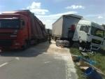 stret dvoch kamionov na I/50 Vestenice