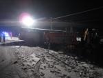 zrážka sypača a autobusu na výjazde z dialnice