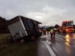 nehoda dvoch polských kamionov 1/18 Povina