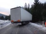 Bílá CR-portugalský kamion po šmyku