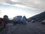 litovec sa chcel otočit-okolo išiel iný kamion, zachytil ho