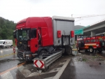 polský kamion po šmyku na konci D3 pri Žiline zablokoval dopravu
