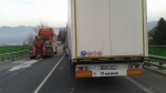 odtah polského kamionu po tragickej čelnej zrážke - Strečno
